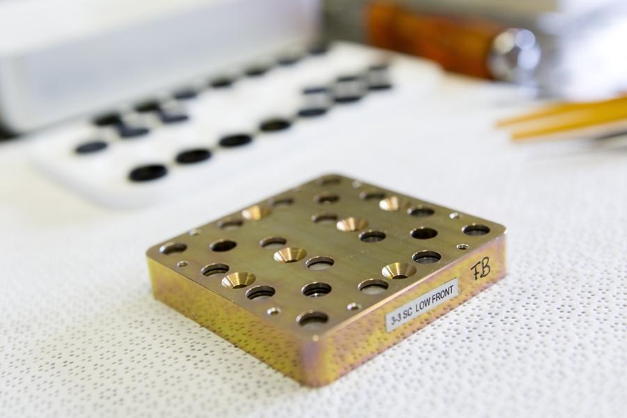 Préparation et Intégration des échantillons de l'expérience PSS au LISA – Crédit photos : UPEC / Nicolas Darphin