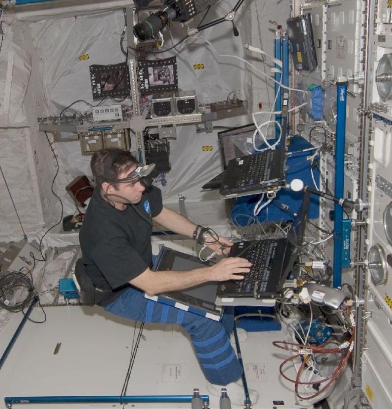 Expérience 3D Space à bord de l'ISS (crédit NASA/ESA)